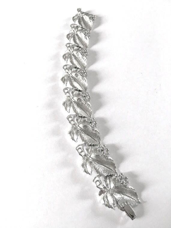 Vintage 1950s Lisner Grape Vine Bracelet