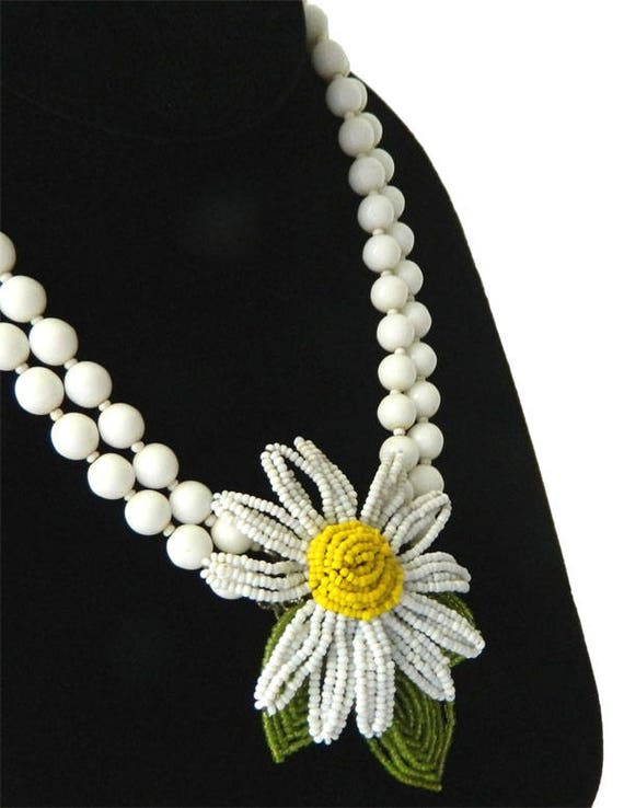 Vintage 1950s Miriam Haskell Beaded Flower Necklac