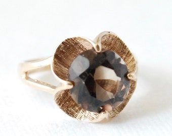 Large 10K Yellow Gold and Smoky Quartz Solitaire Ring - Size 6 - Cocktail Ring - Vintage - 1960's - Flower