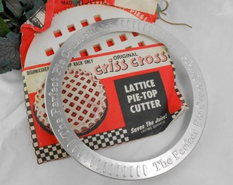 Vintage lattice pie crust cutter and pie crust shield vintage baking supplies the pie baker dynamic duo pie decor tools keep the juice in
