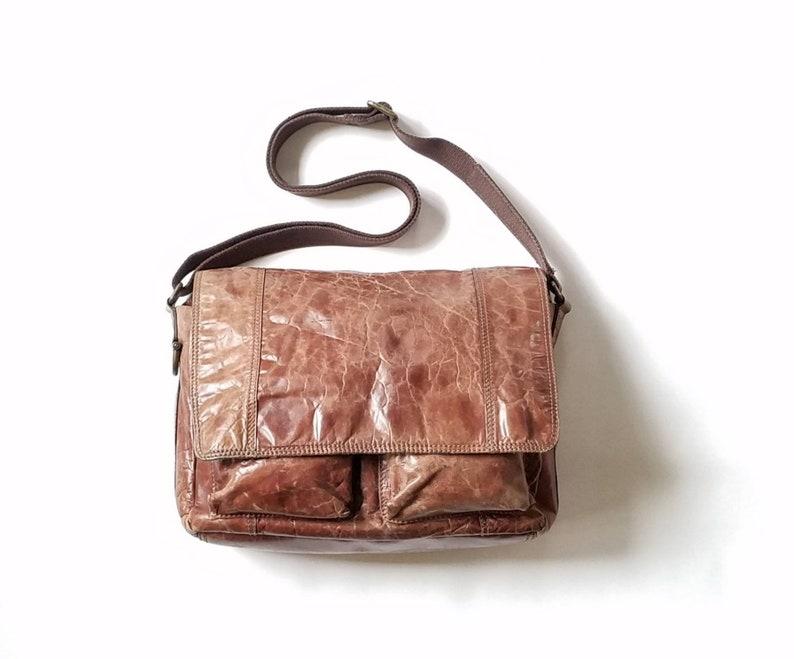 4bff11016b Vintage bandoulière fossile en détresse cuir marron travail | Etsy