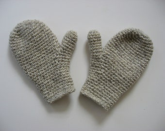 wool child's size 6-8 mittens