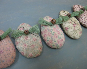 Primitive Easter Eggs Bowl Fillers  - Set of 5  - Pastel Calico Fabric - Spring Decor - Easter Decor - Primitive Easter - Egg Bowl Filler