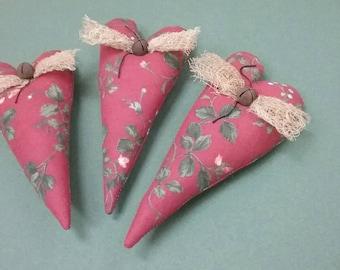 Christmas Heart Bowl Fillers - Set of 3 - Ready to Ship - Primitive Hearts - Holiday Home Decor - Christmas Tucks
