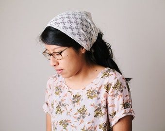 Cream Floral Stretch Lace Wide Headcovering | Women's Headwrap Veil