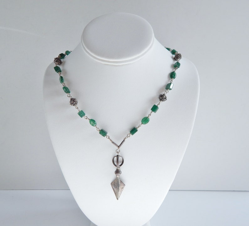 Vintage Unique Ornate Sterling Silver Green Bead Necklace Tribal
