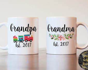 Pregnancy Announcement for grandparents, grandma and grandpa mug set, gift for grandparents, gift for new grandparents, grandparents mug set