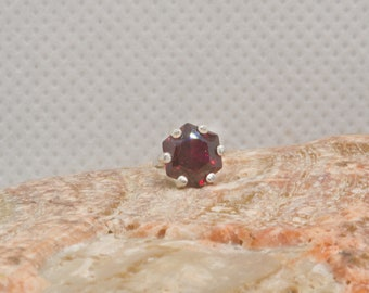 Rich red hexagon ruby  tie tack