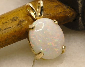 Grand Opal and Gold Necklae