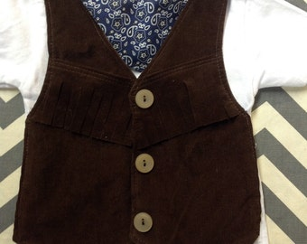 1b76d9582506 Cowboy Vest TSHIRT SHORT Sleeve Comfortable Baby Cowboy or Cowgirl Fringed  Western Outfit with Brown Vest and Bandanna