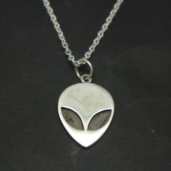Express Your Love Gifts UFO Alien Fan Gift Alien Gangsta Circle Necklace Stainless Steel or 18k Gold 18-22