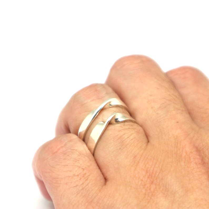 Mobius Promise Ring Silver Mobius Ring for Couple Wedding Band Alternative Matching Ring Infinity Ring Simple Delicate Moebius Ring