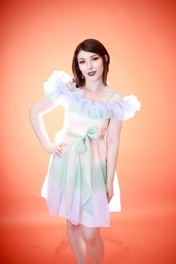 Vinage 1980s 80s Ruffle Cupcake Prom Homecoming Dr
