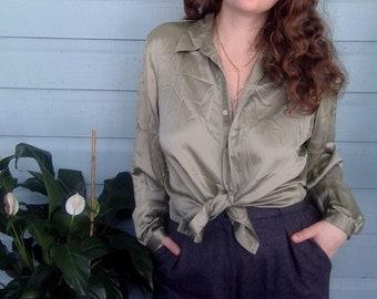 c86a6f44b51c59 Vintage Silk Liz Claiborne Blouse 1990s