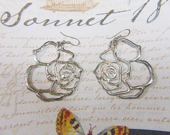 Vintage Gold Dangle Pierced Flower Earrings - V-EAR-623- Floral Dangle Earrings - Gold Earrings - Dangling Earrings