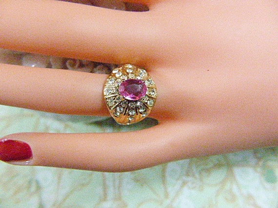 Vintage Gold and Pink Rhinestone Solitaire Ring -… - image 1