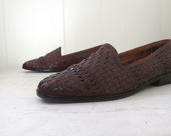 362b16b303 Leather Loafer Flats - 90s Vintage Dark Brown Woven Slip On Shoes - Hunt  Club - Womens Size 6