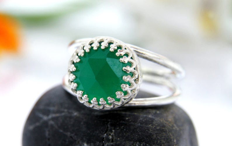 Green Onyx delicate ring,silver ring,small double band ring,gemstone ring,green ring,onyx ring