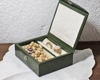 Vintage Small Jewelry Box - Small Travel jewelry box Green Leather Jewellery Box Jewelry Case Jewelry Storage - Jewellery Box Storage  1950s
