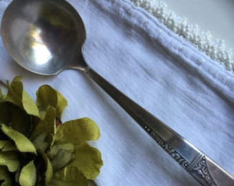 Gravy Ladle Caprice Nobility 1937 Silverplate Vintage Silver Plate by Oneida ~ #A2574