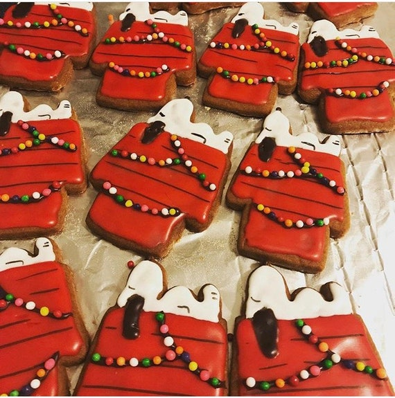 Snoopy Dog House Charlie Brown Christmas Cookies