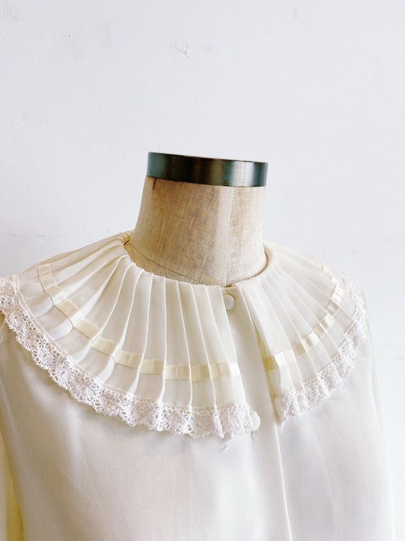 70s 80s Sheer Ivory Blouse with Pleated Oversized… - image 4