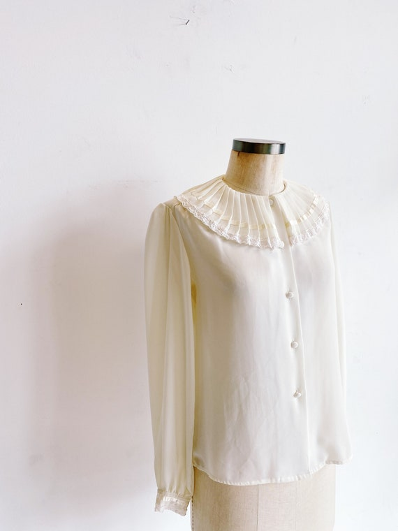 70s 80s Sheer Ivory Blouse with Pleated Oversized… - image 5
