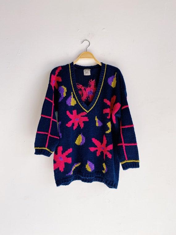 80s 90s Hand Knit Oversized V-Neck Navy Daisy Swea