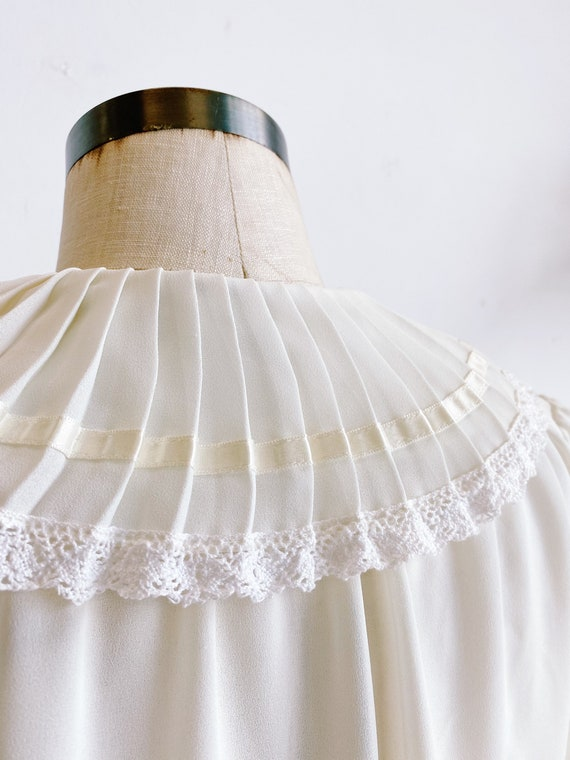 70s 80s Sheer Ivory Blouse with Pleated Oversized… - image 9