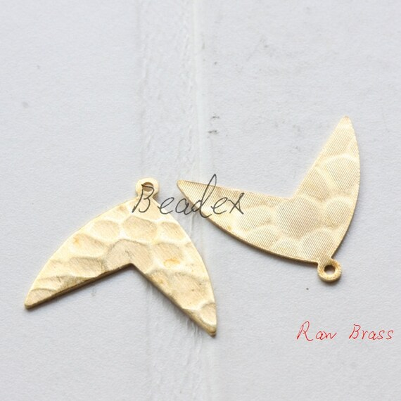 2011C-P-314 20 Pieces Raw Brass Moon Pendant Crescent 28x20.5mm