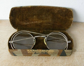2879487afc67 ANTIQUE EYEGLASSES in Original Hard Case Art Deco Harris Oculists &  Opticians Wire Rim Round Bi-Focal Spectacles Distinctive American 1920's