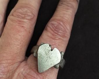 Old Tuareg Solid Heart Ring, Mauretanie US Size 11