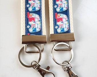 Retro Camper Key Fob - Happy Camper KEY FOB - Womens Keychain - Camper Keychain - Gift for Her