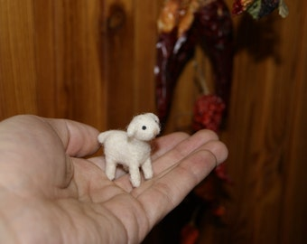 Felted lamb, felted toy, lamb miniature, super tiny, neddle felted lamb, soft sculpture, farm animals miniature