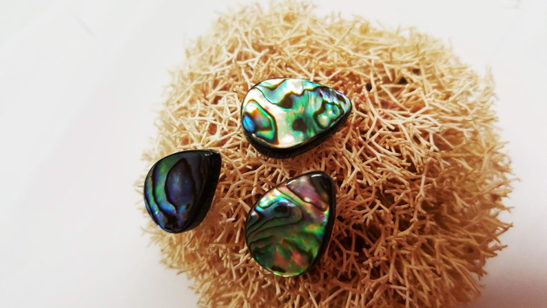 1980/'s Vintage Tear Drop Opal Rainbow Iridescence Abalone Mother Pearl SHell Tie Tack HAT Pin Brooch