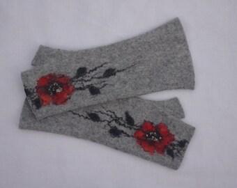 Long Felted Fingerless gloves Fingerless Mittens Arm warmers Gloves - Light Gray Red