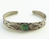 Vintage Fred Harvey Era Old Handmade Navajo Green Turquoise Cuff Bracelet with Arrow Stamp Decoration