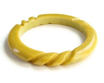Carved Bakelite Bangle Bracelet Mustard Yellow Green Marble Tested