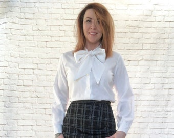 b1c5831cadb42a Vintage 60s White Pussy Bow Collar Tie Victorian Mod Blouse M L Long Sleeve