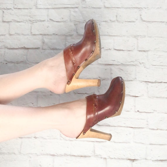 Vintage 70s Oxblood Leather Platform Clogs Mules 7