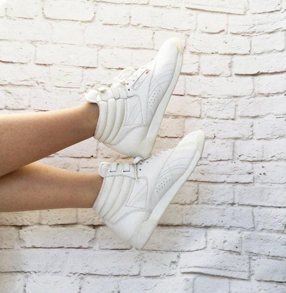 c18e4497362 RARE Iconic Vintage 80s White Reebok High Top Sneakers 7.5 8