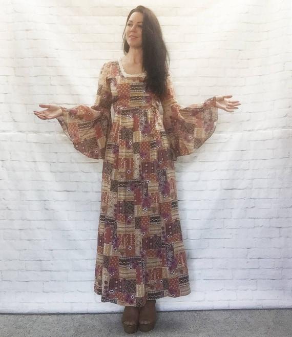 Vintage 70s Trumpet Sleeve Patchwork Print Maxi Dress Macrame Lace Trim Medieval Princess S M