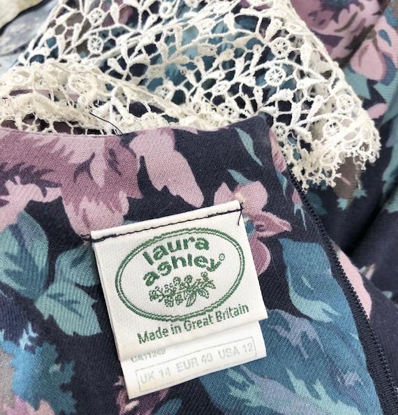 Vintage 80s Laura Ashley Lace Sailor Collar Flora… - image 8