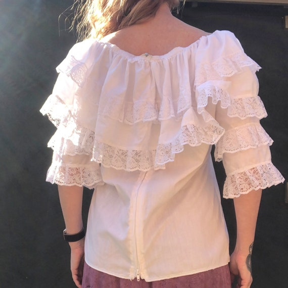 Vintage 70s White Ruffled Lace Peasant Top L Gyps… - image 5