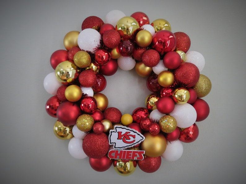 62f00e0a KANSAS CITY CHIEFS Pro Teams Football Ornament Wreath