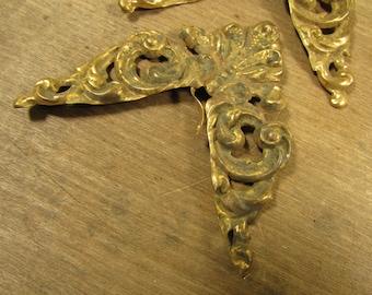 Set of Four Antique Brass Corner Applique Embellishment Decoration for Frame Box Book or Other