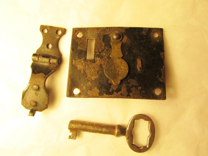 Small Antique Key Lock and Hasp Outside Mount Trunk Document Box Storage  Box Dome Top Box Eagle and Key J  Terry and Co  Early Vintage 6394
