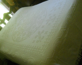 Vintage Bates White Hobnail Chenille Bedspread--Very Nice-full size with Fleur de Lis 110x94