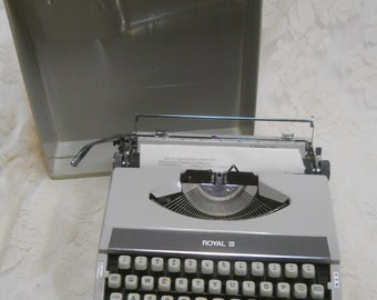 Vintage 1970's Royal Mercury Portable Typewriter w/Hard Carrying Case-Made in Japan-Has a New Black Ribbon