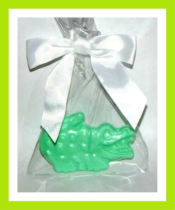 24 Alligator Soap Favors,Crocodile Soap,Birthday Party Favor,Baby Shower Favor,Personalized Button Pin, jungle theme